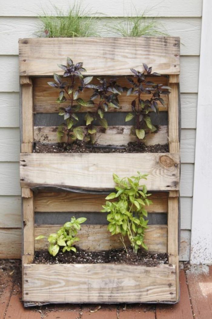 Comment faire un mur v g tal en palette astuces tutos for Fabriquer un mur vegetal avec palette