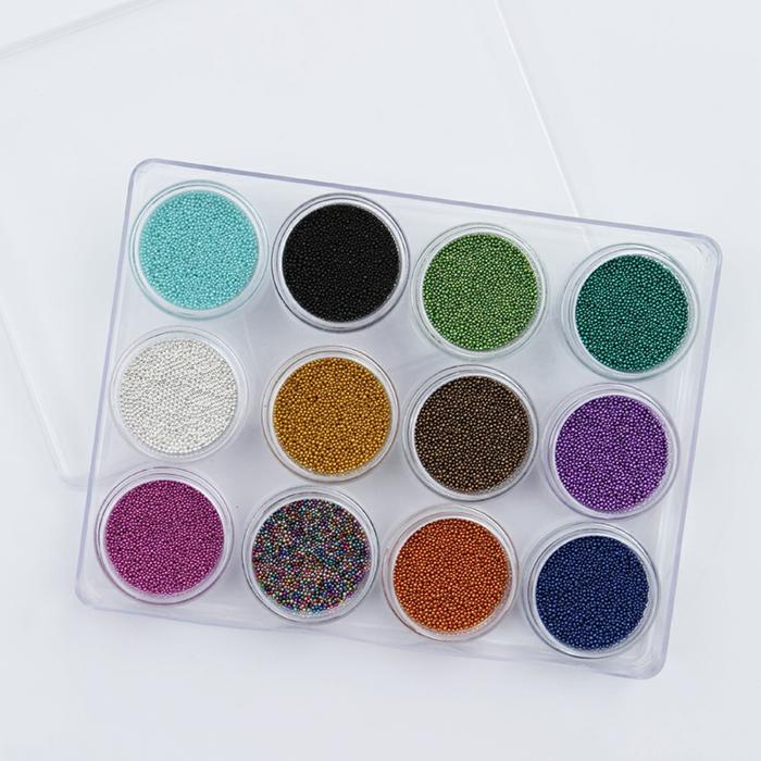 comment faire une manucure, micro-perles pour ongles, réaliser un nail art à la maison, produits cosmétiques pour ongles