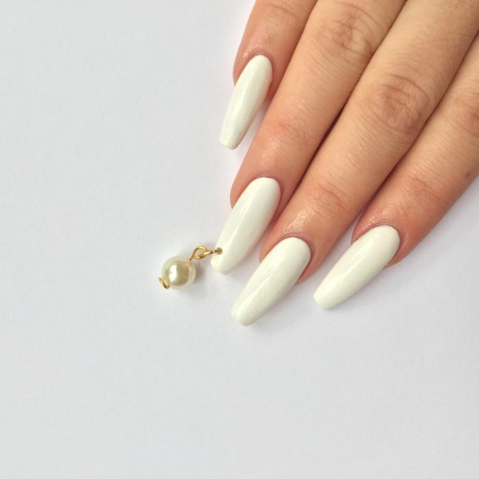 faire les ongles, comment avoir de beaux ongles, piercing sur les ongles, manucure blanche, ongles longs