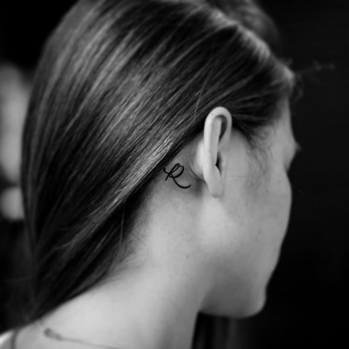Se tatouer l oreille femme tatouage mignon idée