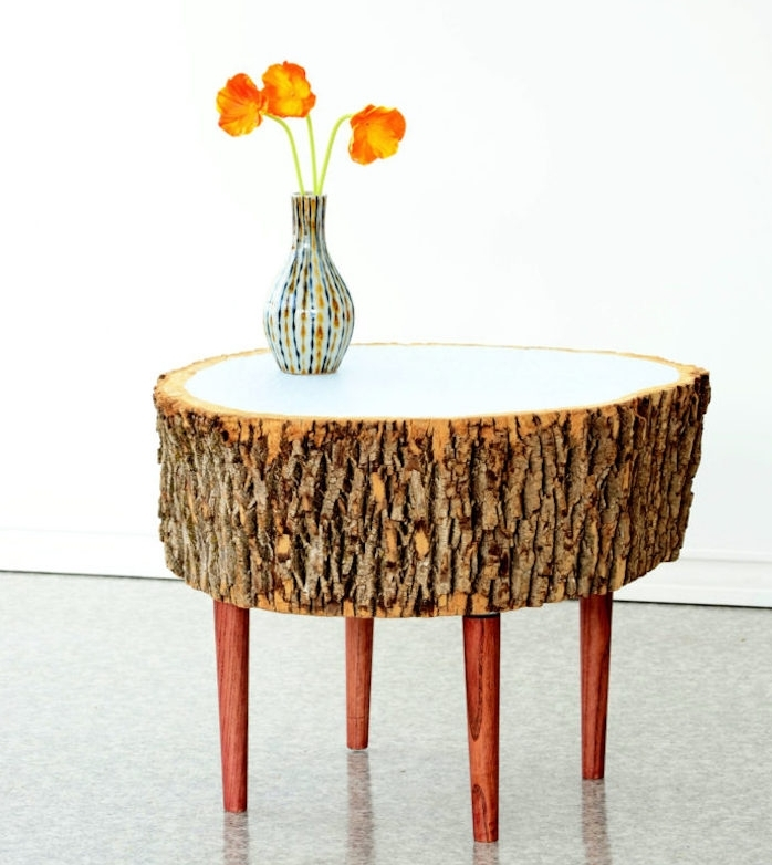 Table basse tronc d arbre design utiliser des troncs for Table plateau tronc d arbre