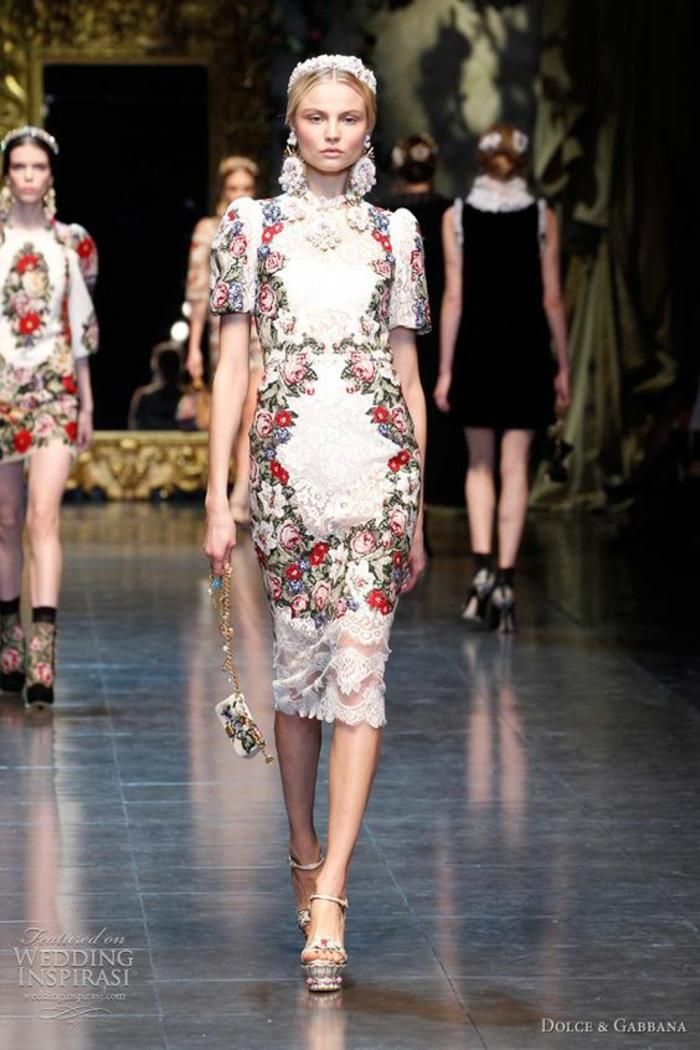 Belle robe rouge comment s habiller aujouourd hui Dolce et Gabbana