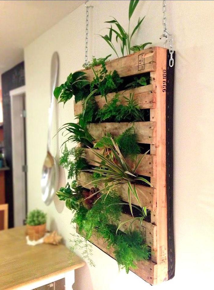recycler palette en jardinière interieure murale en bois suspendue