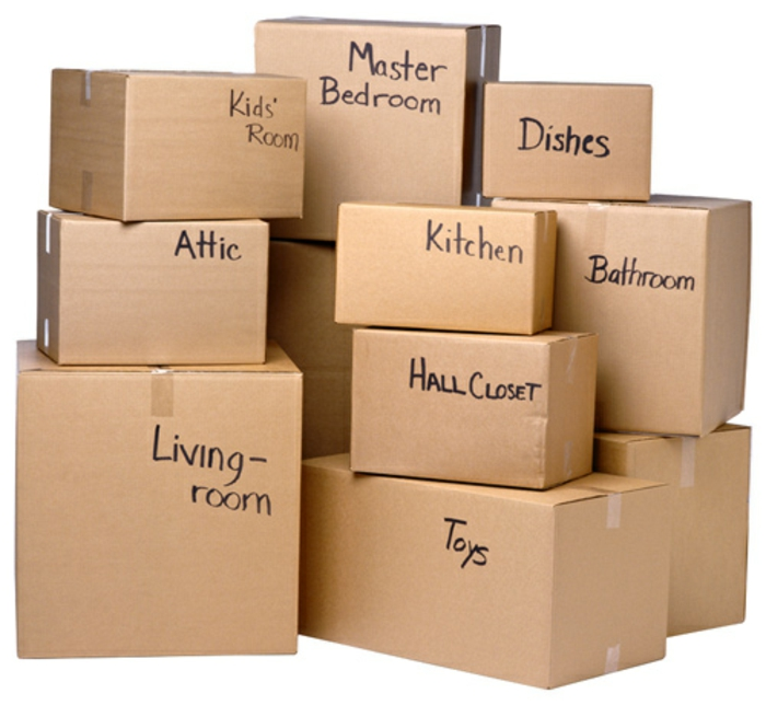 préparer son déménagement, caissons en carton avec des notes