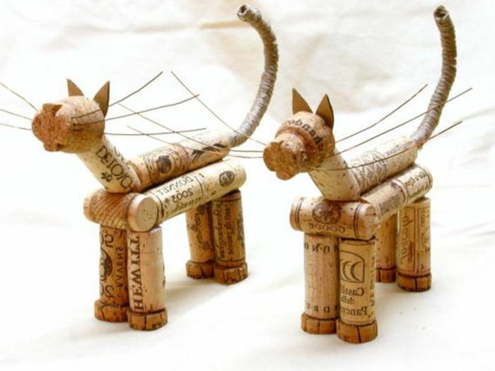que faire avec des bouchons en liège, sculptures de chat en liège