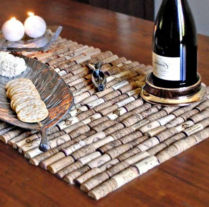 que faire avec des bouchons en liège, tapis de table, biscuits et plateaux en forme de feuilles