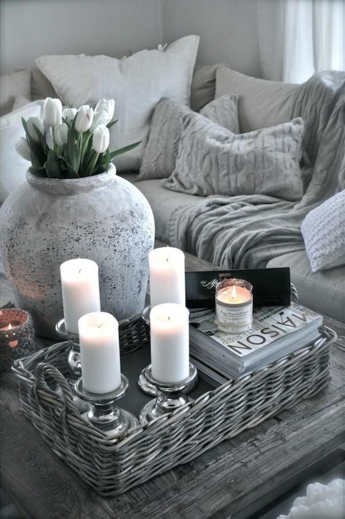 quelle couleur avec le gris, grand vase gris, bougies blanches, décoration de salon