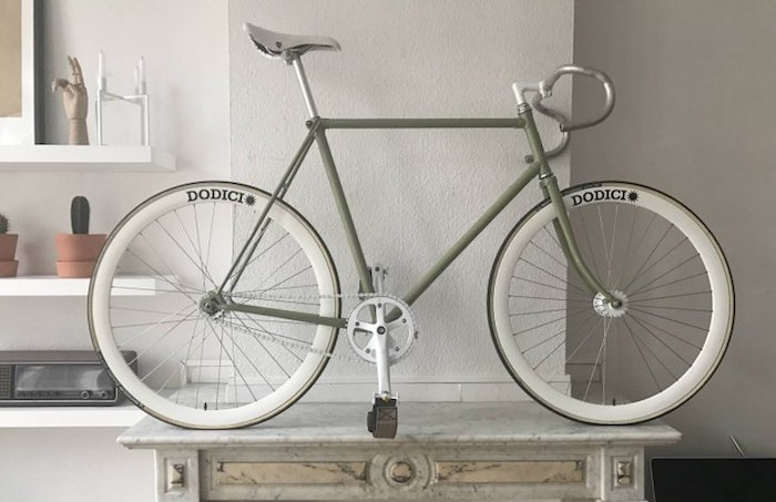 fixies fixit velo fixe simple vitesse vintage roues dodici selle blb gris