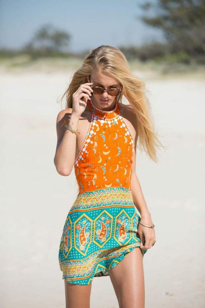 comment porter la petite robe ethnique, robe de plage à col tour du cou