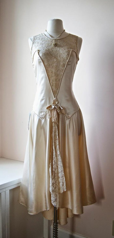 robe gatsby le magnifique, robe crème avec dentelle, midi longue, mode années 20