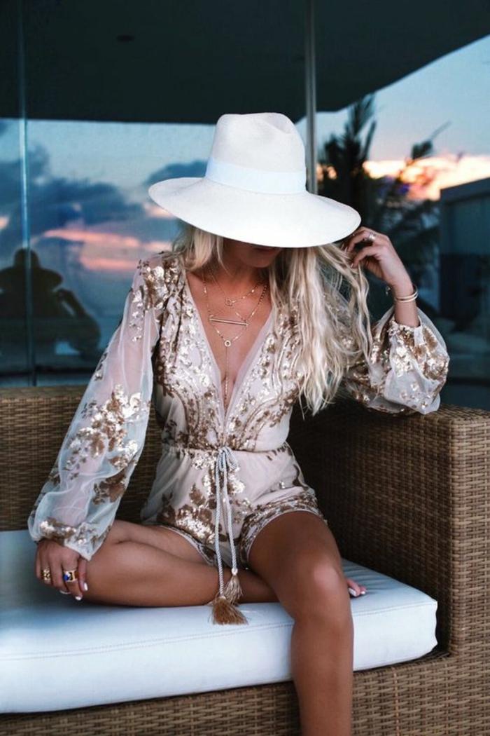 Vetement hippie belle femme bien habillée tenue shine salopette beauté