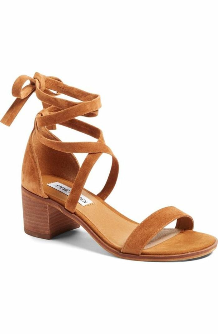 sandales femme en nubuck couleur whisky avec lanière plusieurs tours autour de la cheville