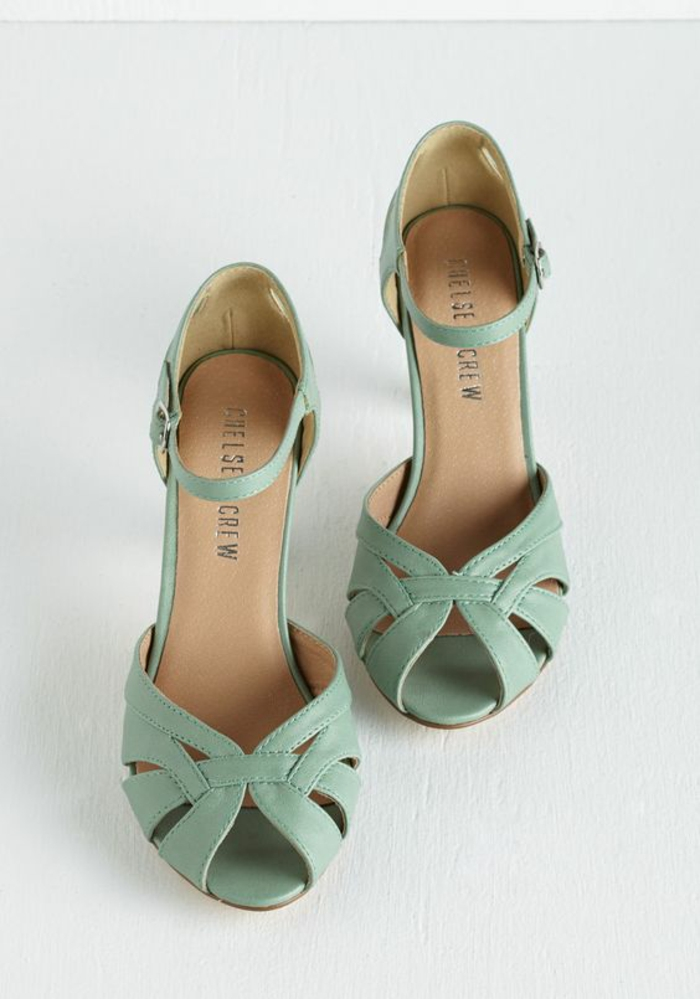 sandales femmes couleur pistache pastel avec effets ajourés
