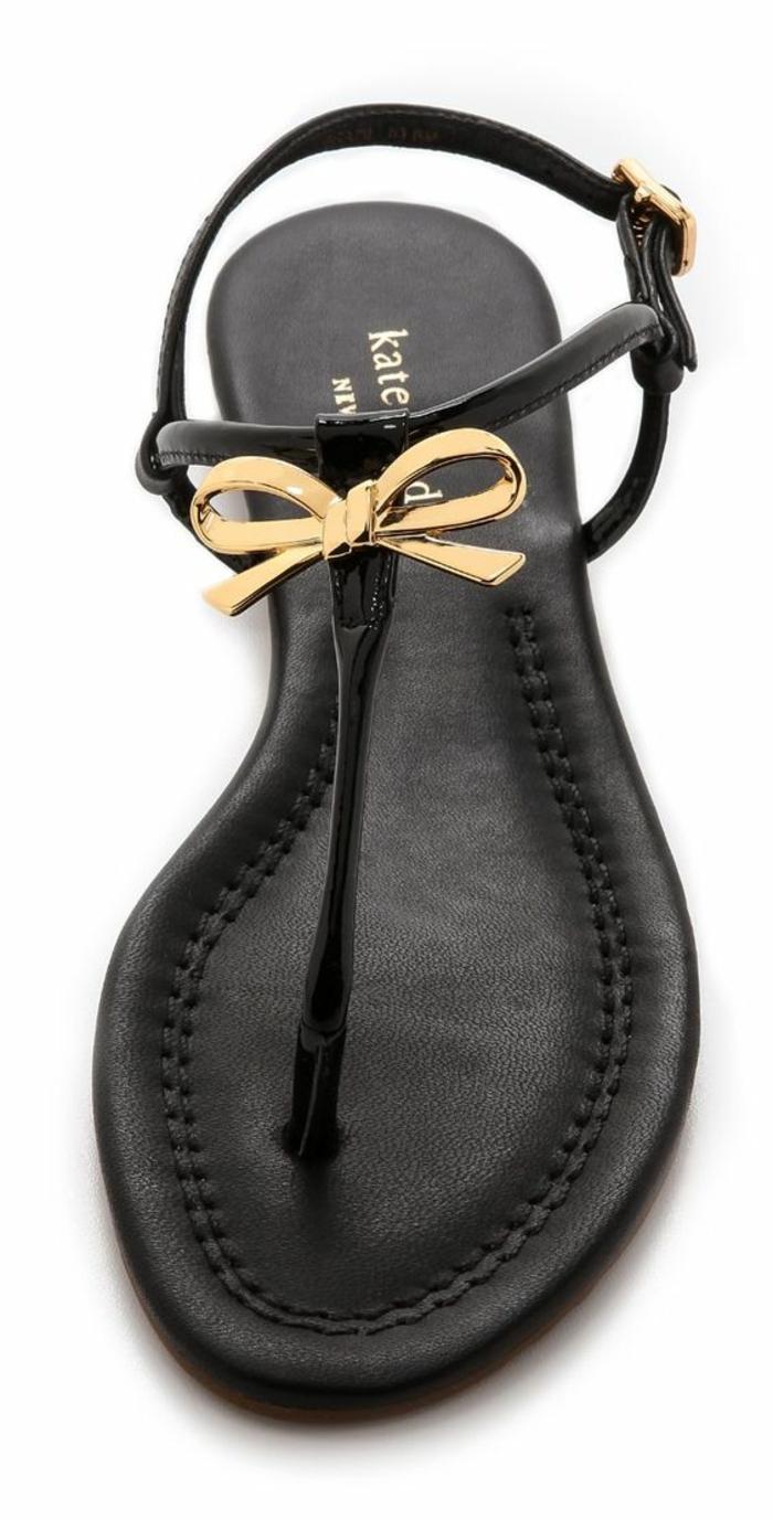 sandale noir femme chic urbain avec noeud doré devant aux lanières fines