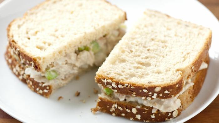 Recette pique nique original sandwich cake au saumon fum et crudits recette piquenique with - Pique nique original ...