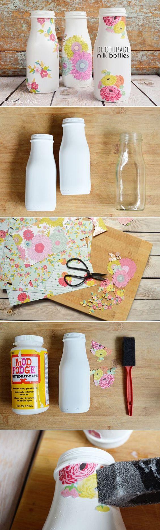 idée de création serviettage decopatch avec des bouteilles à lait, motifs florauc à coller, tutoriel étape par étape, que faire quand on s ennuie