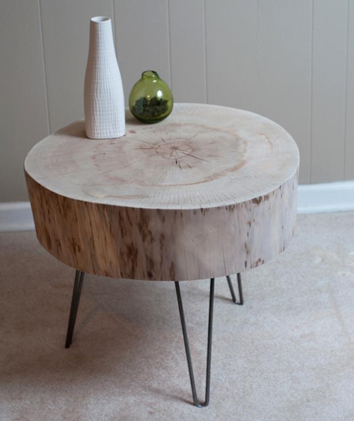rond de bois sur pieds comme table deco