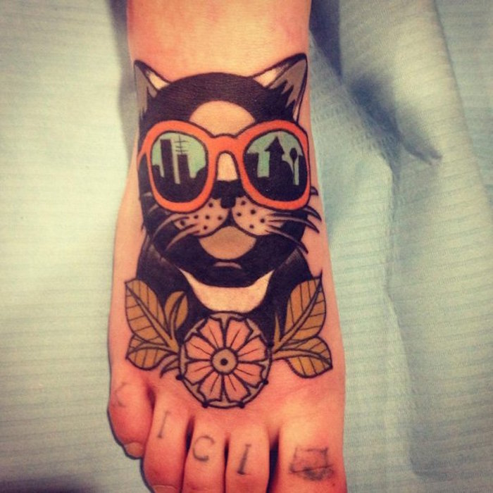 modele dessin chats pour tatouage pied femme tattoo de chat funky