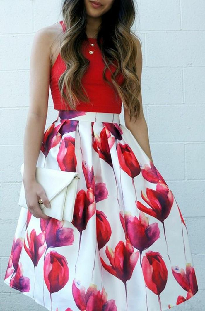 Belle robe rouge comment s habiller aujouourd hui jupe tulipes