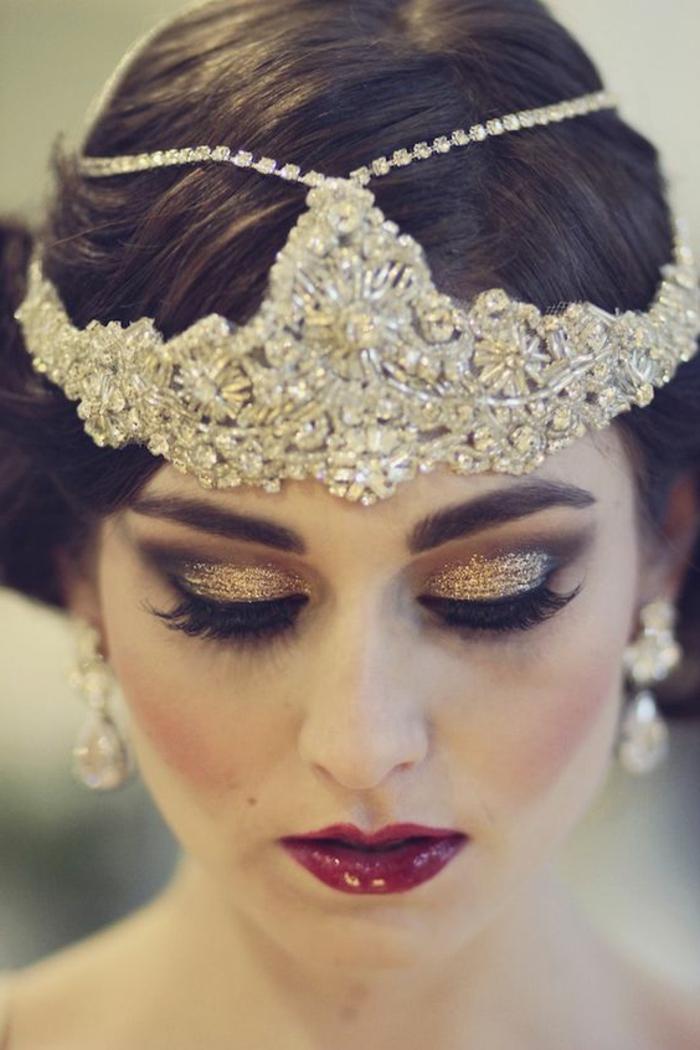 teue gatsby, serre-tête petites perles lumineuses, ombres à paupières pailletées