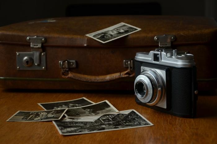 activité a faire quand on s ennuie, appareil photo, coffre, photo blanc et noir, mon album photo, album photo traditionnel, créer un album photo