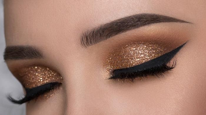 maquillage smoky, eye-liner noir, mascara noir, fard à paupière dorés, smoky eyes facile, fond de teint pêche