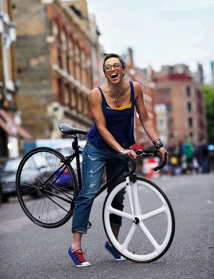 velo hipster pignon fixe vélo single speed femme noir roue blanche