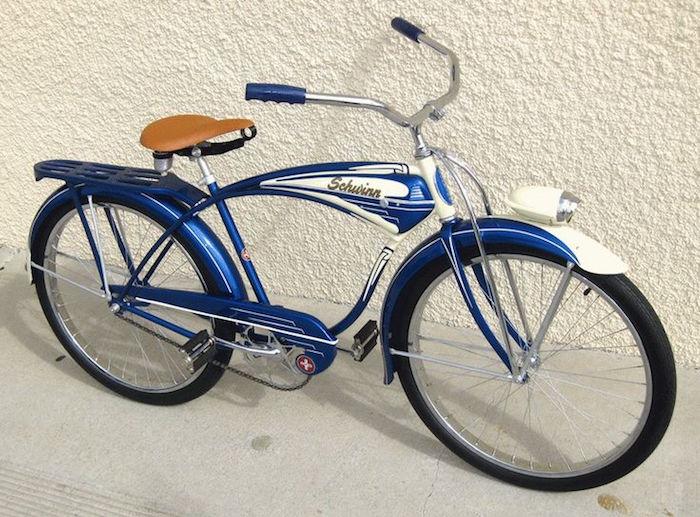vélo moto pédale style 1950 vintage mobylette