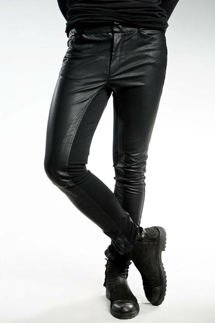 pantalon noir moulant homme Pendari avec blouse noire