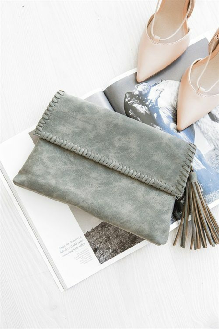 Formidable pochette enveloppe femme pochette portefeuille femme chaussures à talon élégantes