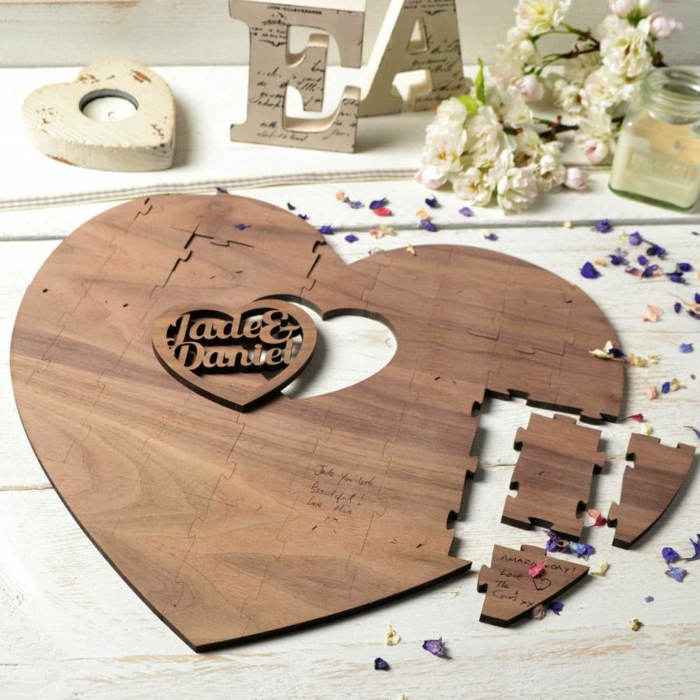 Belle idée livre d or mariage original coeur puzzle livre d or pour mariage déco