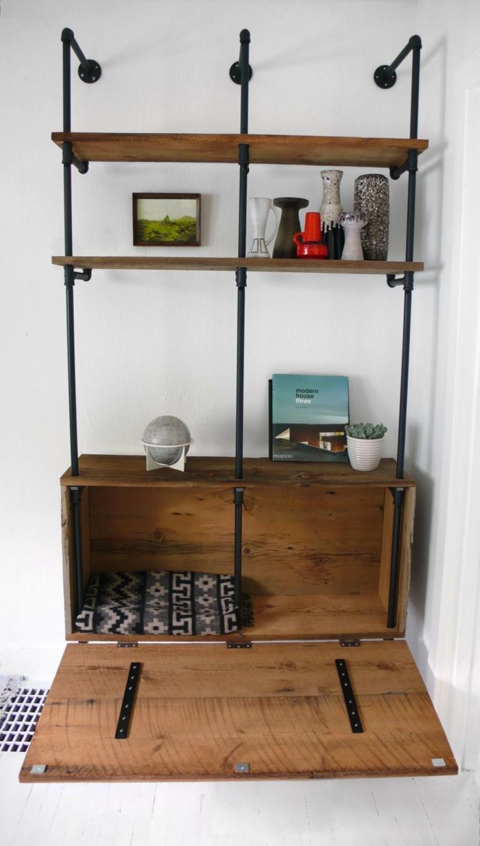 idee deco industrielle, coffre en bois, vases décoratives, meuble noir et bois, peinture, murs blancs