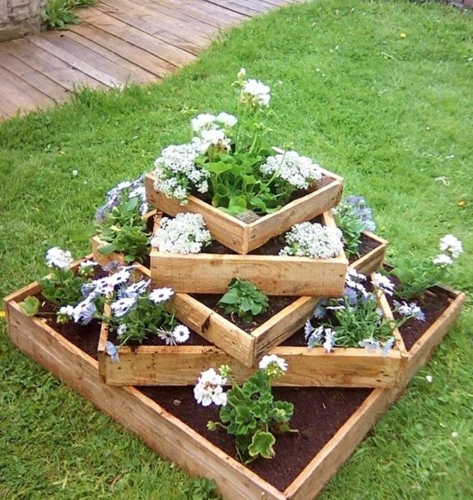 1001 tutoriels et id es pour fabriquer une jardini re en - Jardiniere haute en bois ...