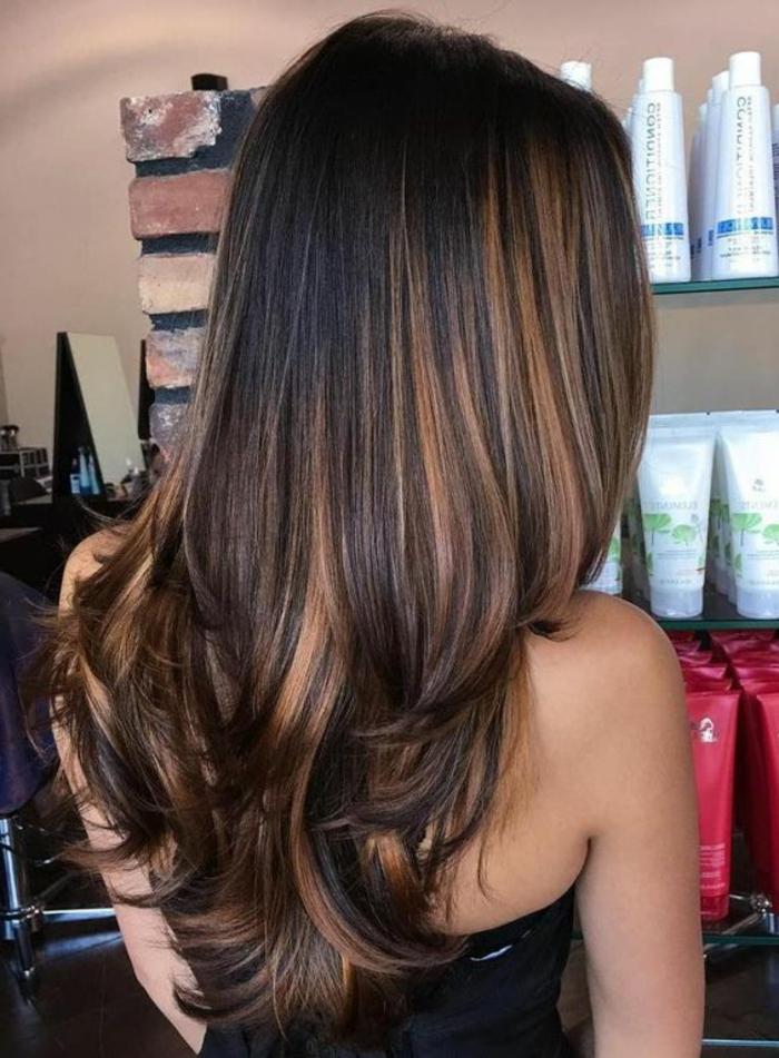 Balayage Blond Miel Sur Cheveux Noir