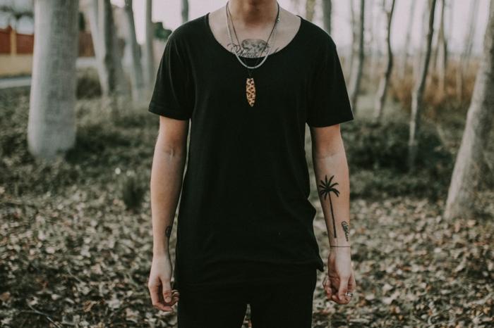 Tatouage palme sur la main cool idée comment se tatouer