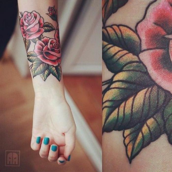 Magnifique tatouage sablier old school écriture old school rose
