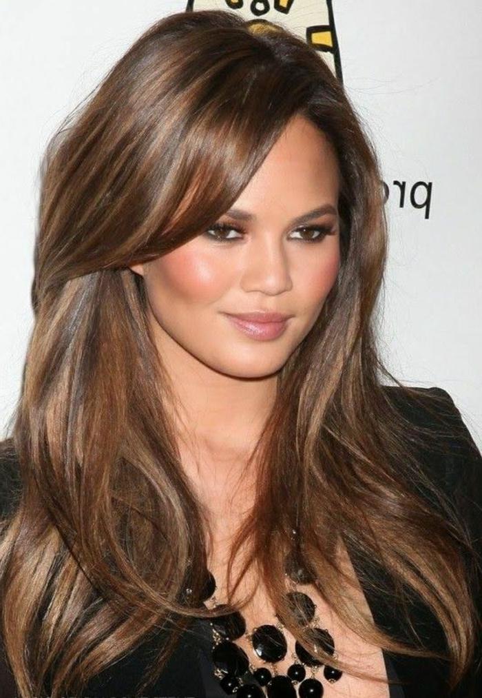 1001 variantes du balayage caramel pour sublimer votre coiffure Cheveux couleur caramel adoucir visage