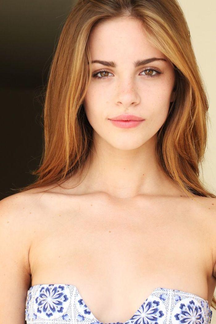 un blond venitien aux reflets cuivrés effet naturel, maquillage nude pour un look naturel