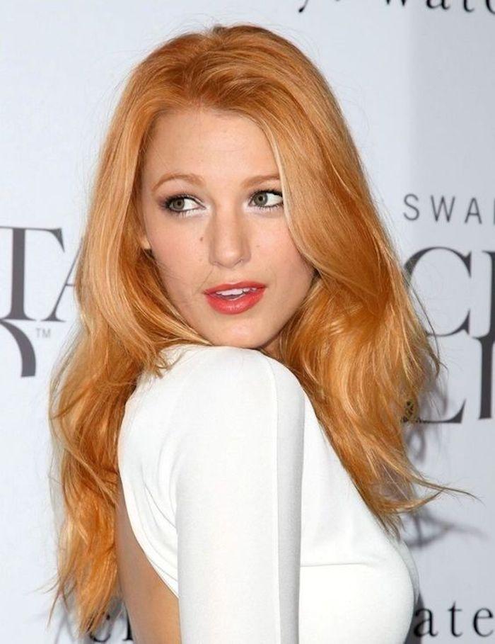 des cheveux roux aux reflets pêche, quel maquillage pour les rousses