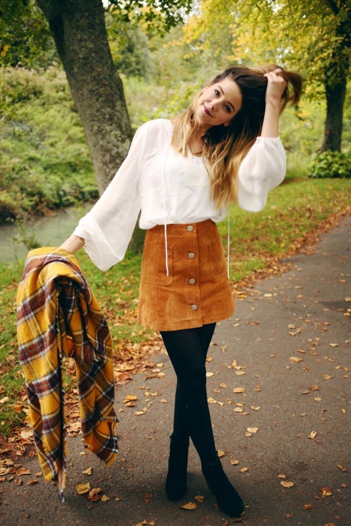Mode au college comment bien s habiller au collège Zoella blogueuse idée jupe velours chemise blanche