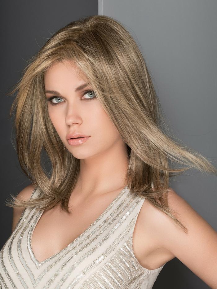 coiffure de femme longueur moyenne avec balayage