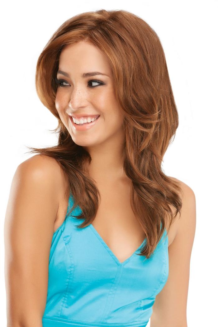 coifure femme cheveux longs effets ondulants en roux