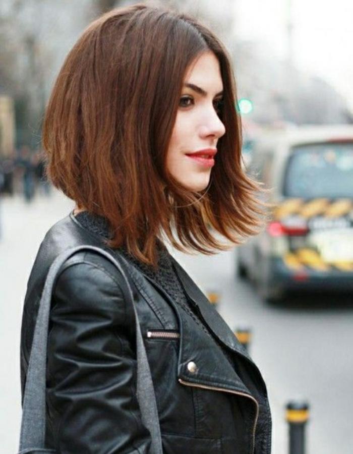 coifure de femme carré court plus long devant et plus court derrière