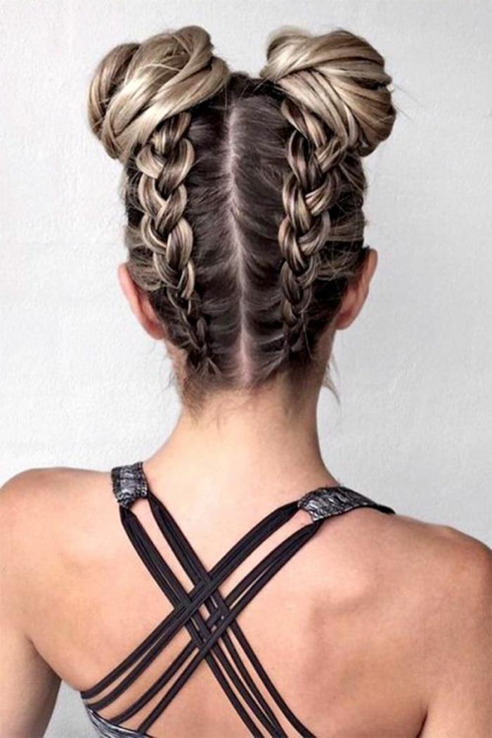 coiffur femme avec deux tresses latérales qui se terminent en buns avec la forme d'escargots
