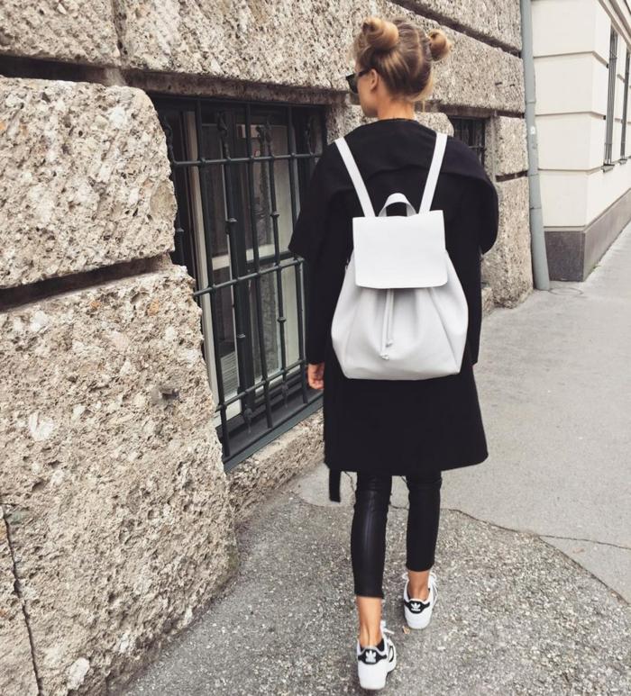 Veste collegienne comment s habiller pour etre a la mode tenue noire