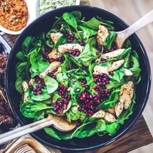 Améliorez vos habitudes alimentaires avec un repas équilibré. 10 Recettes faciles et saines