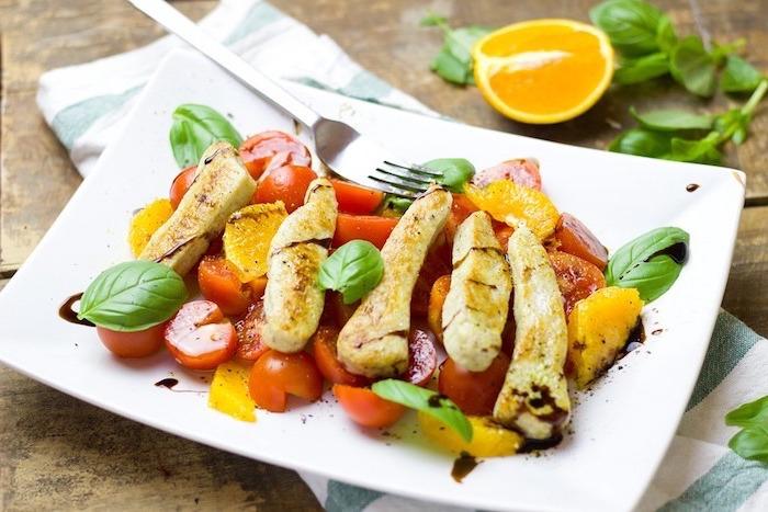 alimentation équilibrée, citron, orange, herbes, poulet, légumes, fourchette, recette équilibrée