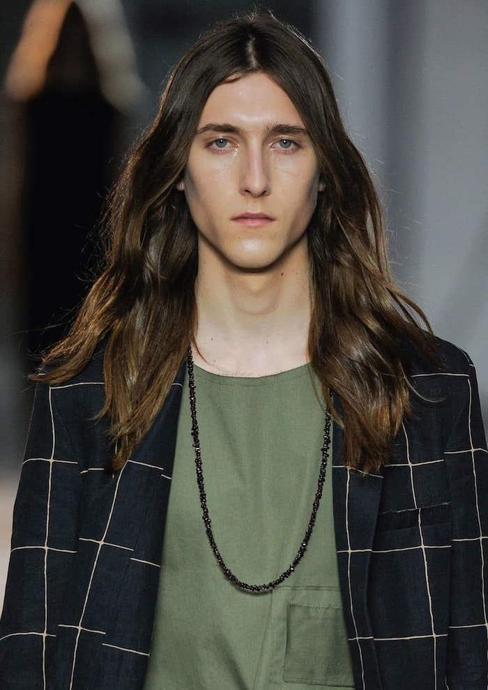 Temps pour cheveux long homme