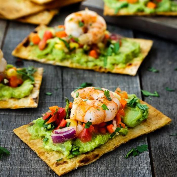 idée originale pour une recette bruschetta à la mexicaine aux crevettes et au guacamole