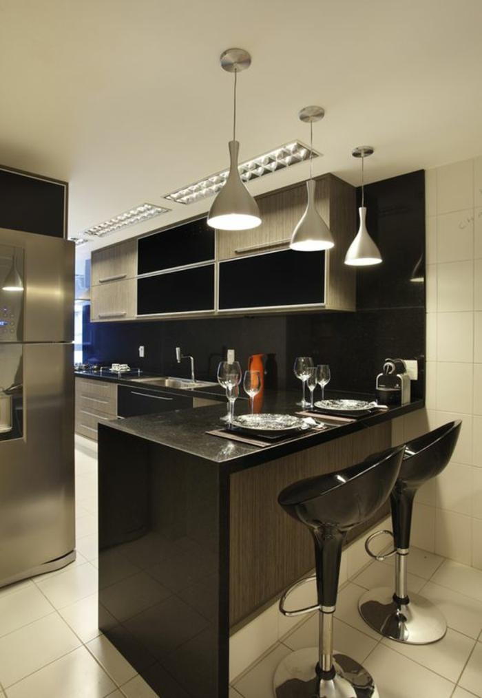 1001 idees pour cuisine noire des conseils comment l for Deco cuisine avec chaise de cuisine noir